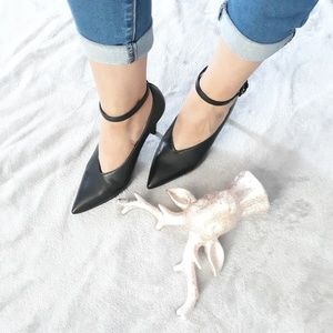Nine west ankle strap pointed heels size 7M